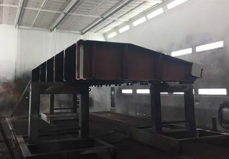 structure metal fumee noir et blanC